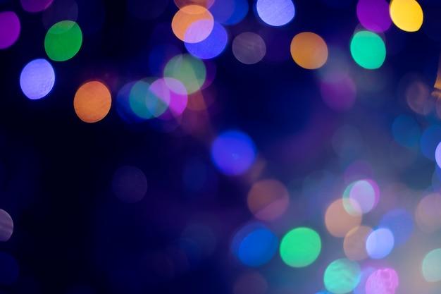 Fond coloré avec des néons défocalisés