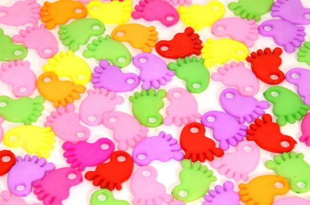 Fond composé de pieds fantaisie multicolores