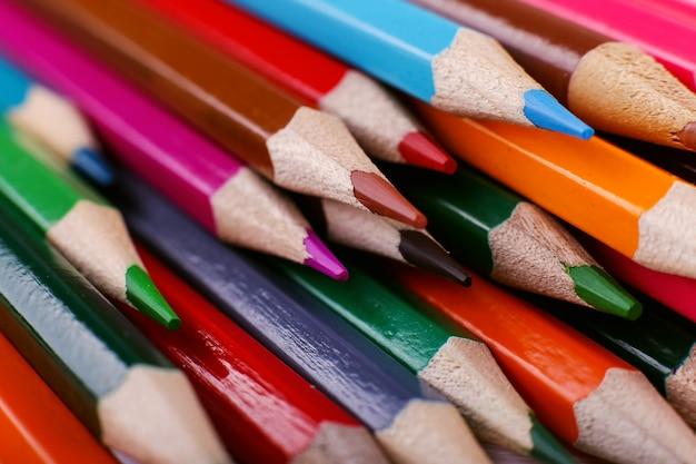 Fond de crayons de couleur