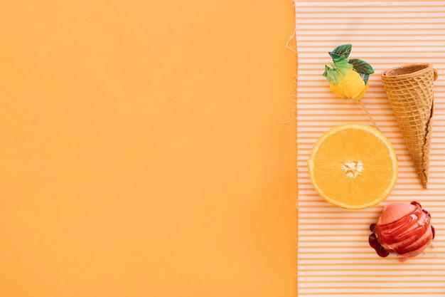 Fond de crème glacée avec fruits et copyspace