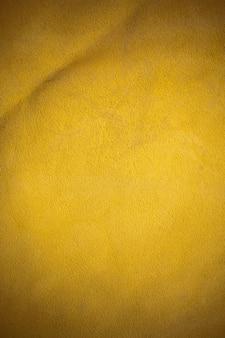 Fond en cuir véritable marron.