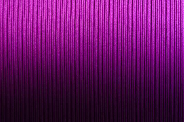 Fond décoratif magenta, couleur pourpre, dégradé vertical de texture rayée. fond d'écran.