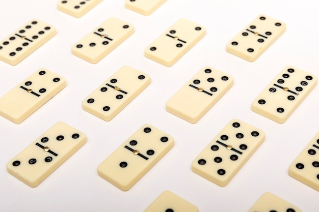 Fond de domino. concept de stratégie d'entreprise.