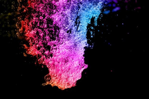 Fond d'eau bouillonnant coloré.