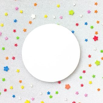 Fond fête colorée avec la surface. concept de célébration lay plat.