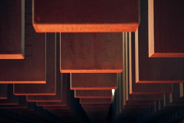 Fond frais de vue de planches de bois rouges