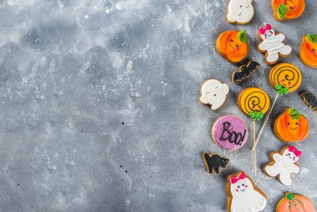 Fond d'halloween avec des biscuits de pain d'épice drôles