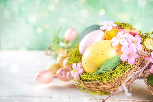 Fond de joyeuses pâques avec décoration de nids