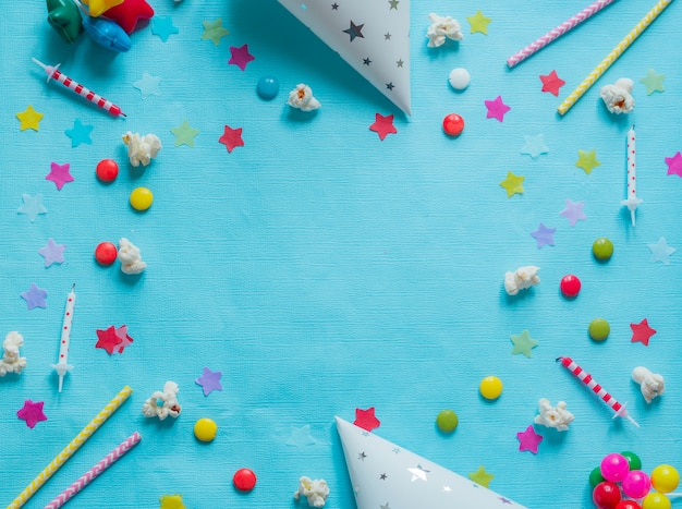 Fond de joyeux anniversaire coloré