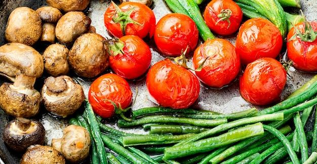 Fond de légumes grillés