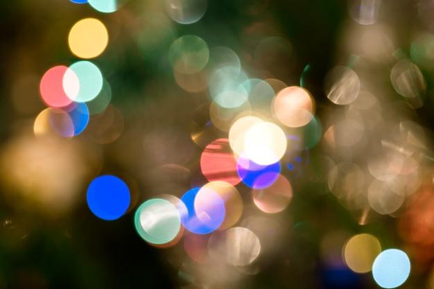Fond avec des lumières et fond flou de bokeh.