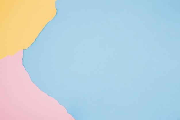 Fond minimaliste coloré avec du papier