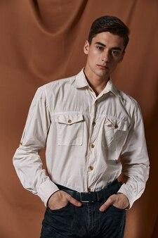 Fond de mode de vie de tissu de coiffure tendance chemise homme mignon. photo de haute qualité