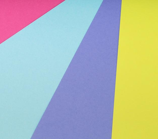 Fond multicolore d'un carton de différentes couleurs