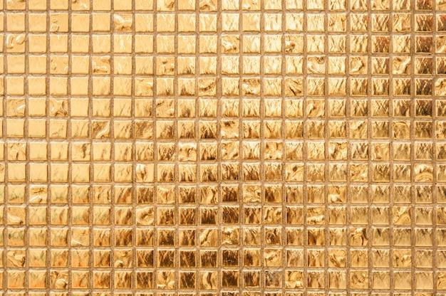 Fond de mur doré