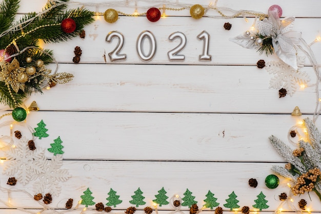 Fond de noël blanc décoré de carte de voeux de noël décor festif