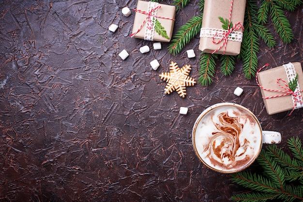 Fond de noël avec des boîtes à lait et cadeaux