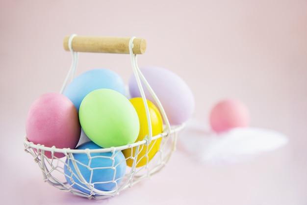 Fond d'oeufs de pâques colorés doux - concepts de célébration de fête nationale