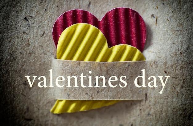Fond de papier en forme de coeur saint valentin