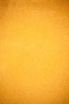 Fond de papier jaune.