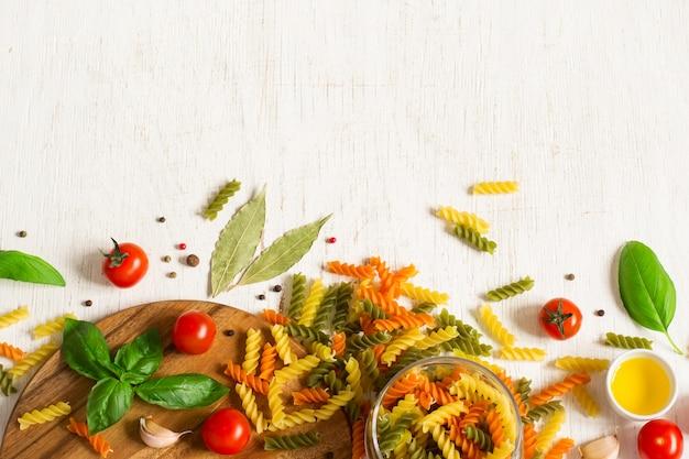 Fond de pâtes italiennes colorées