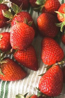 Fond de photographie alimentaire fraise biologique fraîche