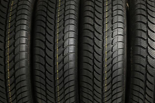 Fond de pile de quatre pneus