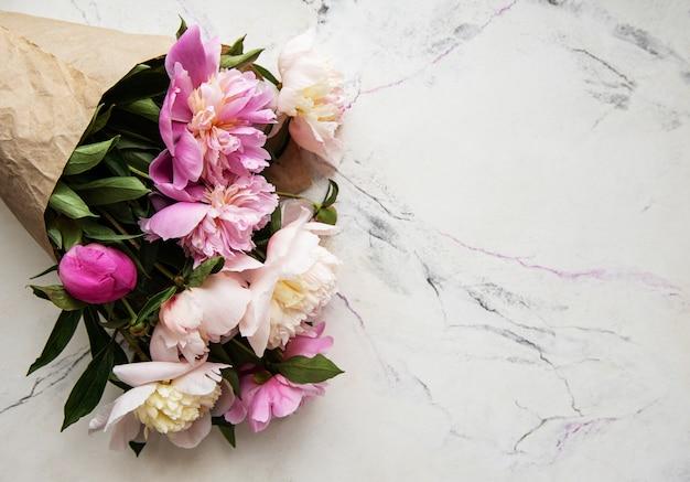 Fond avec pivoines roses