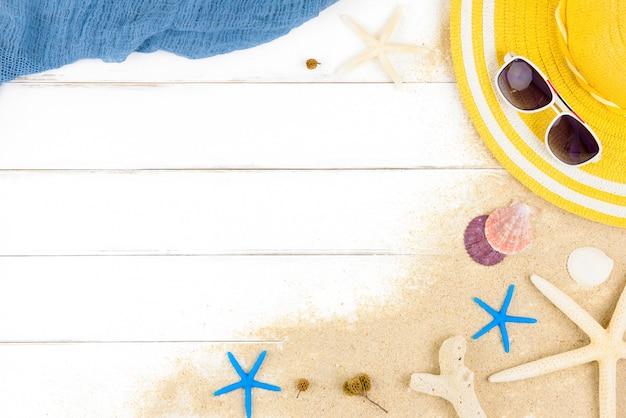Fond de plage de vacances bel été sur panneau de bois blanc