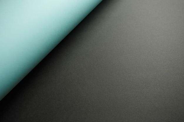 Un fond plat jaune et noir avec des ombres et un espace de copie à remplir avec un message