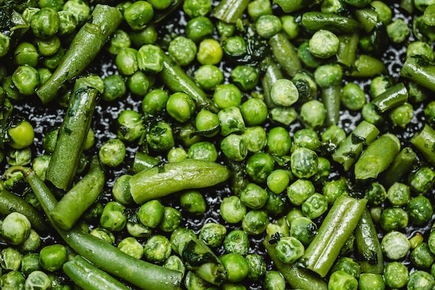 Fond plat de pois verts