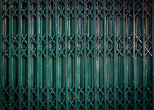 Fond de porte en acier.