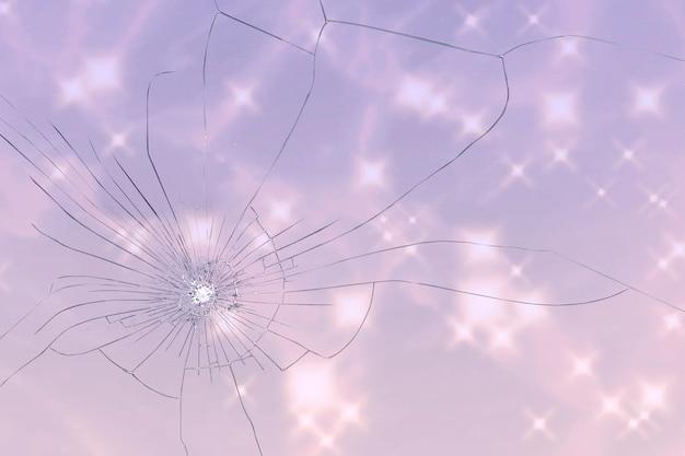 Fond rose avec texture de verre brisé
