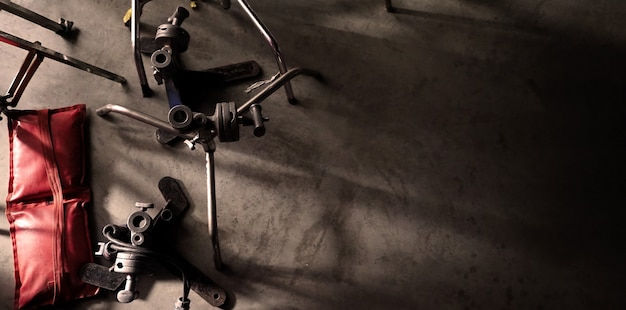 Fond de studio de tournage ou de réalisation de production vidéo comprenant du matériel professionnel