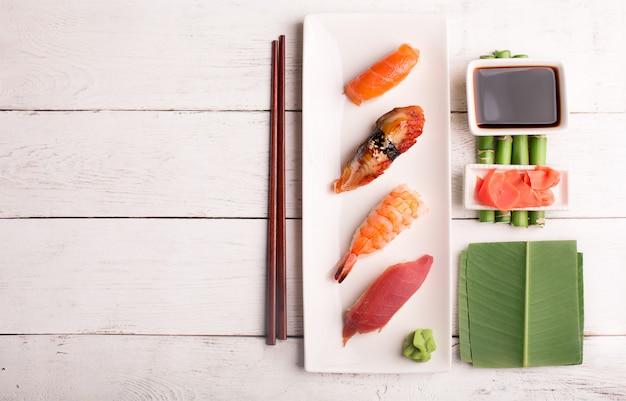 Fond de sushi japonais traditionnel