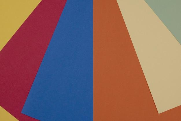 Fond et texture de cartons vierges colorés