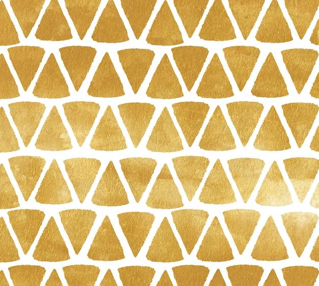 Fond de triangle d'or. fond peint en métal avec des formes triangulaires.