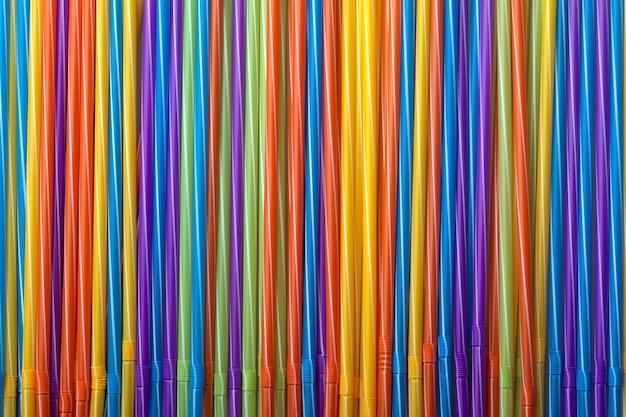 Fond de tubes à cocktails colorés, paille pour boissons, accessoires de concept pour célébrer votre fête
