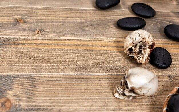Fond de vacances halloween avec crâne et squelette