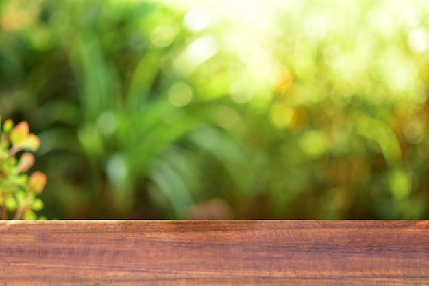 Fond vert de table en bois