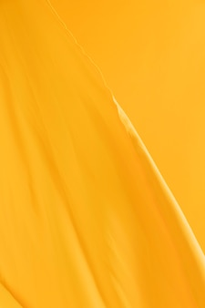 Fond de voile jaune vierge