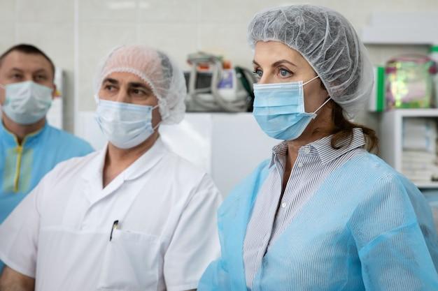 La fondation porochenko a fait don d'appareils de ventilation pulmonaire artificielle à l'hôpital d'ambulance clinique de la ville de kiev