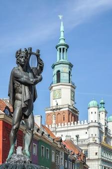 Fontaine d'apollon à poznan