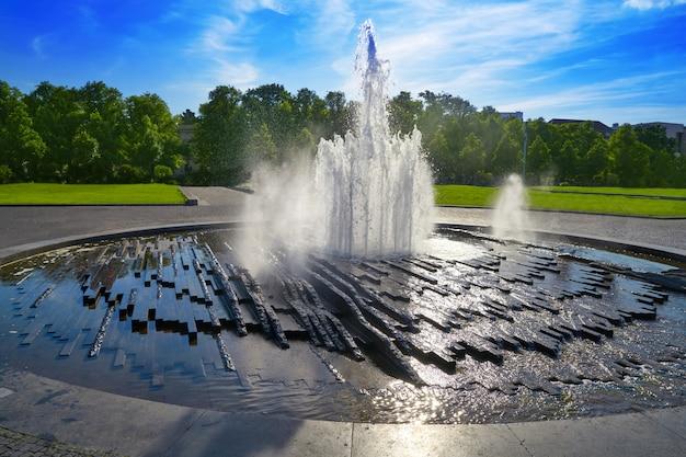 Fontaine de la cathédrale de berlin berliner dom allemagne