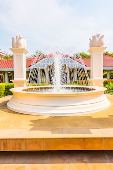 Fontaines agrandi ancien jardin urbain