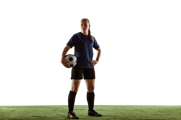 Football féminin, joueur de football botter le ballon, formation en action et mouvement isolé sur fond blanc