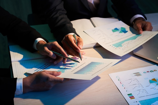 Formalités administratives, paperasserie, écriture