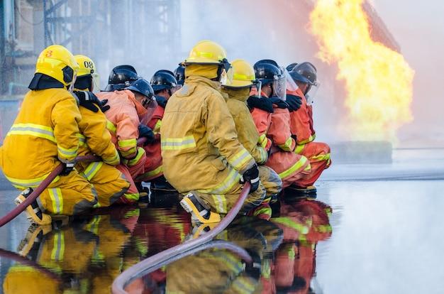 Formation des sapeurs-pompiers, formation des sapeurs-pompiers, lutte contre l'incendie en milieu de travail