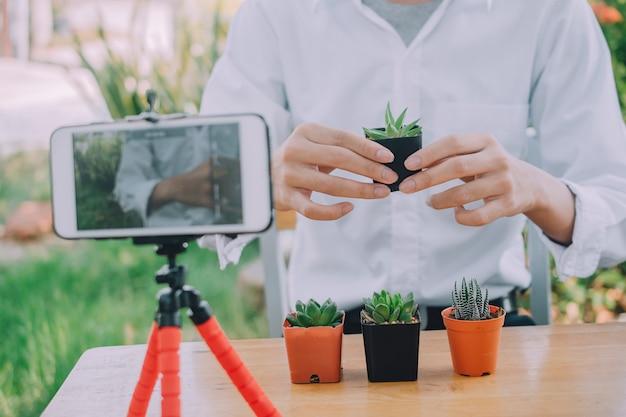 Formation v logger en ligne pour la plantation de cactus et le jardinage