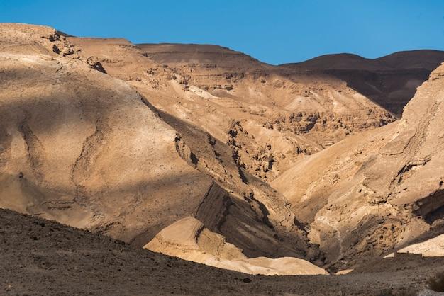 Formations rocheuses dans le désert, désert du néguev, israël